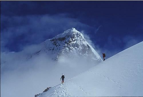 Lhakpari Peak Climbing in Tibet