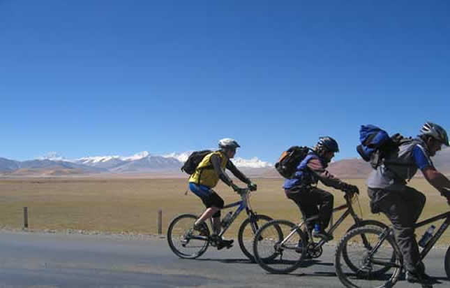 Biking in Tibet